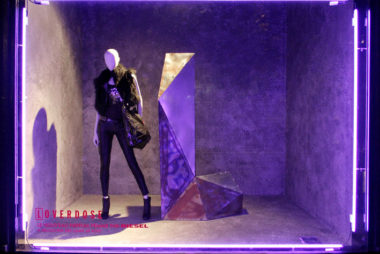 ultra violet cor do ano 2018 pantone vitrines visual merchandising (6)